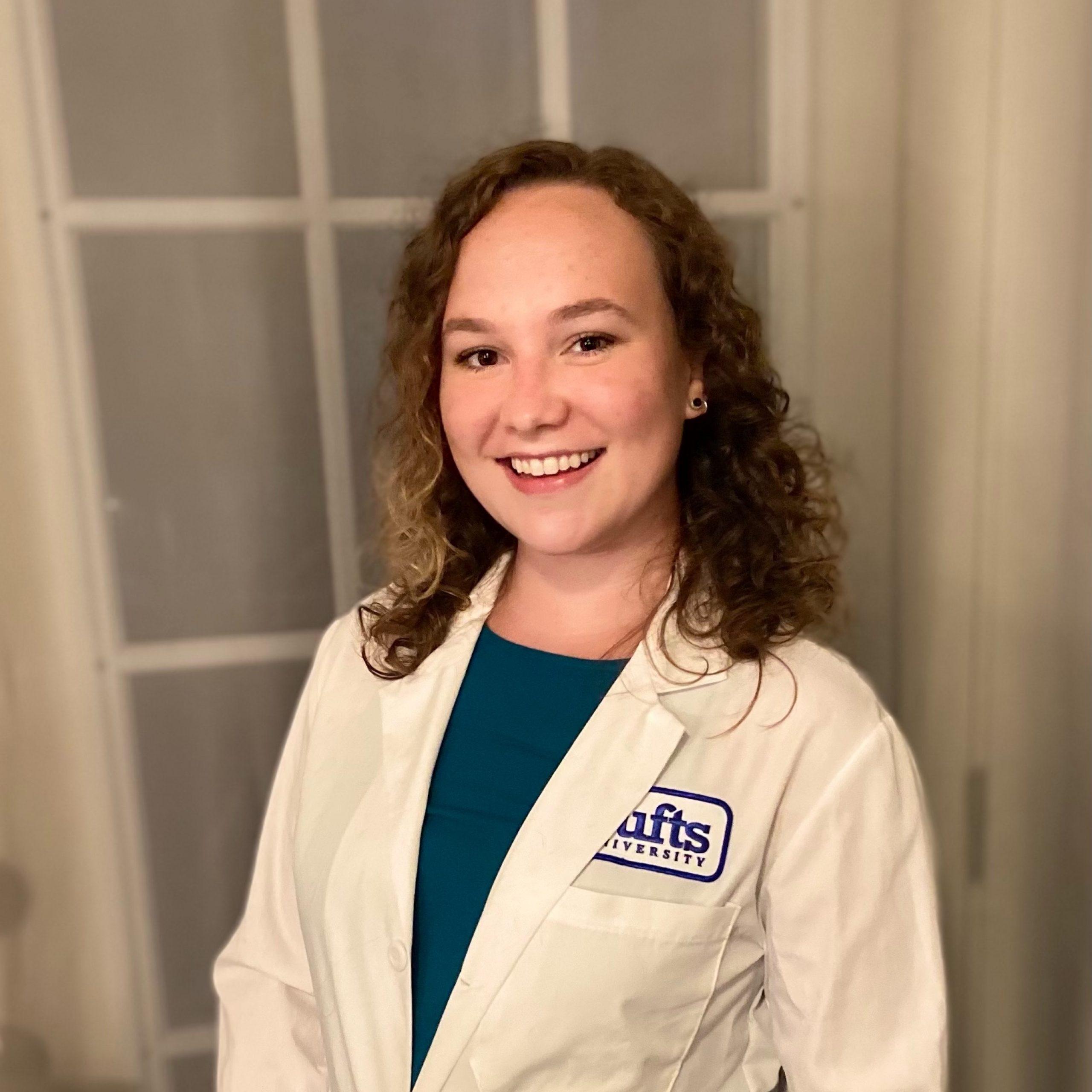Leah Detolla, Veterinarian